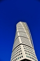 the turning torso building in sweden: picture of the turning torso building located in malmo city in sweden