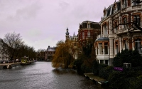 row of buildings along the canal in hague